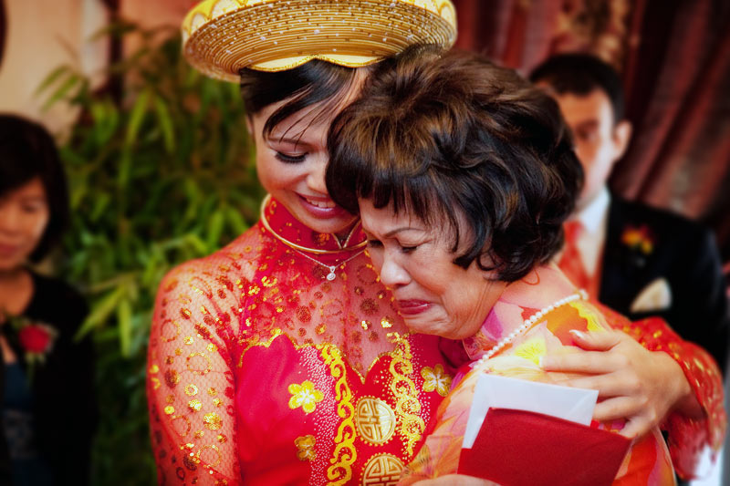 Vietnamese Tea Ceremony wedding photographer Mike Danen